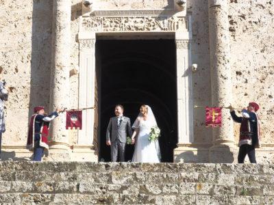 Massa Marittima saluto agli sposi con le chiarine