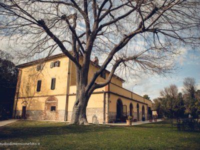 Fondata sulle vestigia di una villa romana.